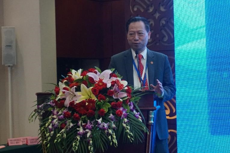 奧瑪物流倉儲聯盟主席馮祖期先生在做倉儲冷鏈聯盟介紹