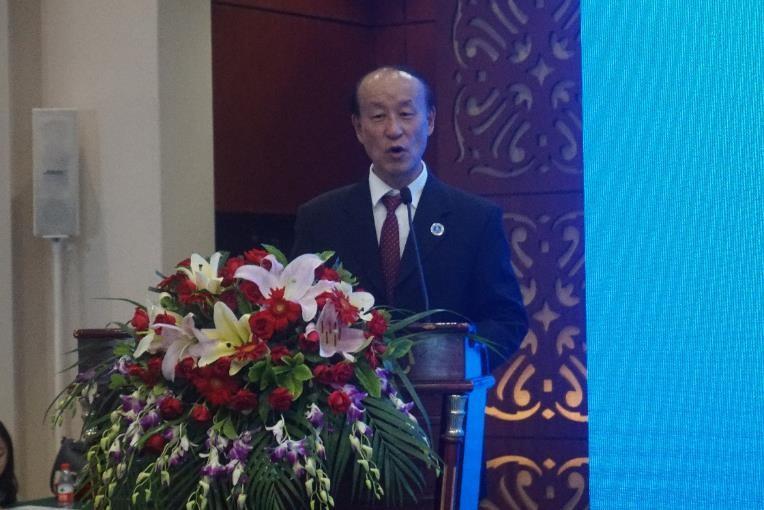廣東省物流行業協會物流研究院院長馬仁洪在會議上發言